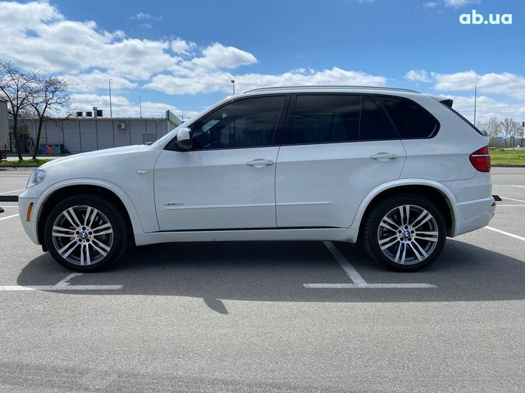 BMW X5 2012 белый - фото 2