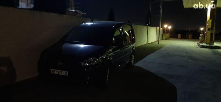 Volkswagen Caddy 2011 черный - фото 9