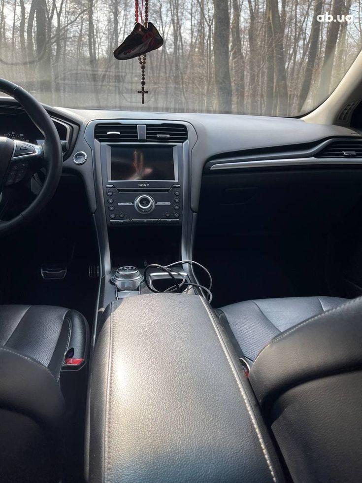 Ford Fusion 2017 черный - фото 11