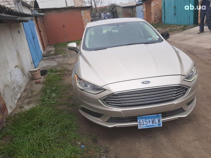 Ford Fusion 2017 золотистый - фото 14