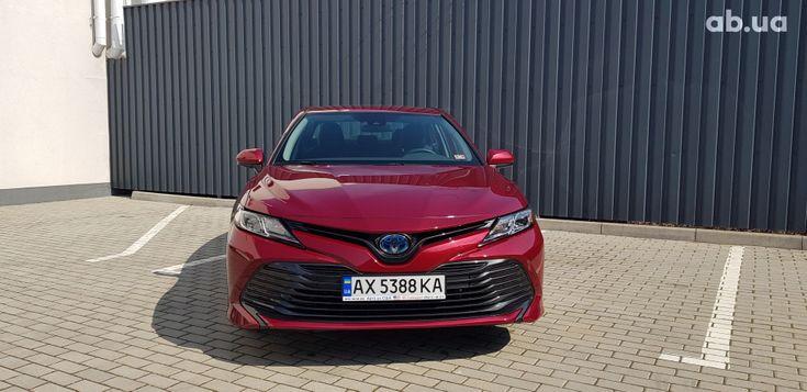 Toyota Camry 2020 красный - фото 10