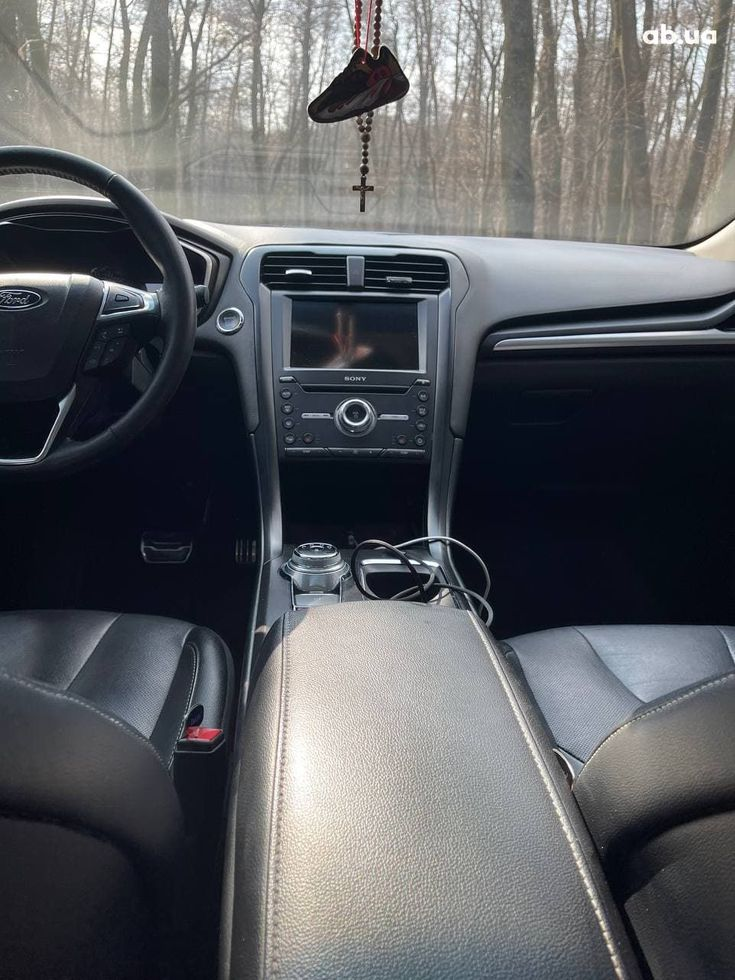 Ford Fusion 2017 черный - фото 12