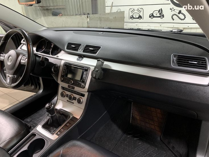 Volkswagen Passat 2014 черный - фото 3