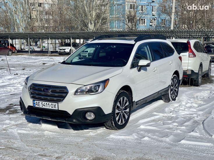 Subaru Outback 2017 белый - фото 1