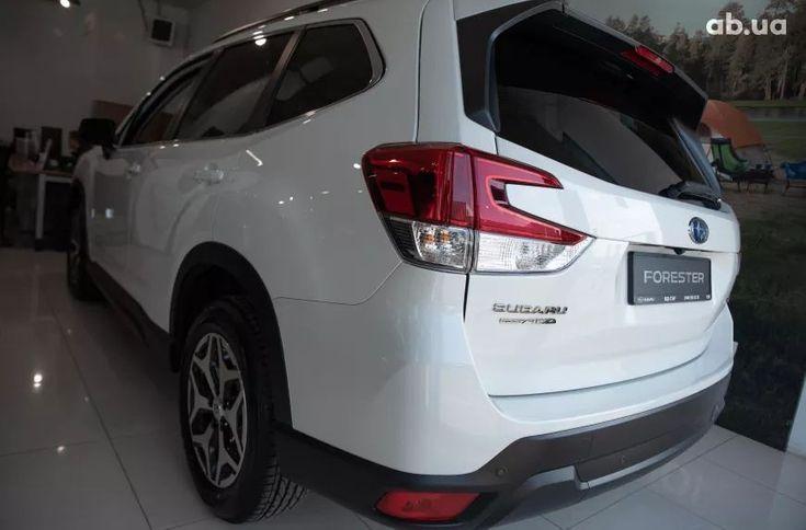 Subaru Forester 2021 белый - фото 5