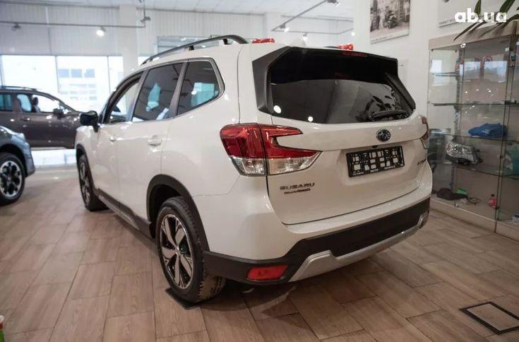Subaru Forester 2020 белый - фото 4