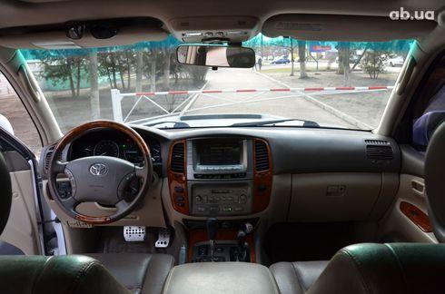 Toyota Land Cruiser 2004 - фото 6