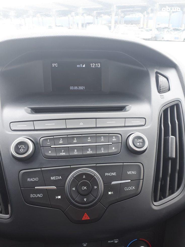 Ford Focus 2015 серый - фото 6