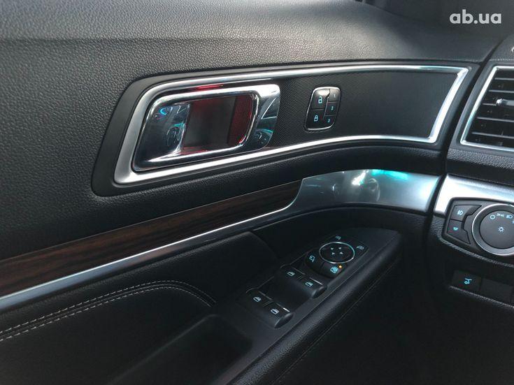 Ford Explorer 2016 серебристый - фото 12
