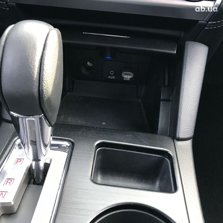 Subaru Legacy 2019 серебристый - фото 7