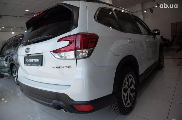 Subaru Forester 2021 белый - фото 8