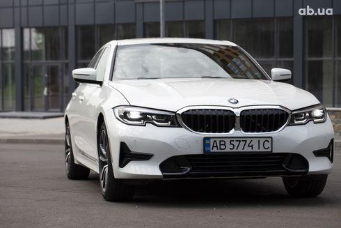 BMW 3 серия 2019 белый - фото 9