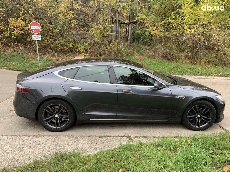 Tesla Model S 2015 серый - фото 6