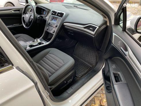 Ford Fusion 2018 белый - фото 9