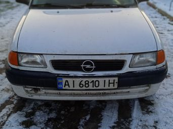 Продажа б/у Opel Astra Механика 1995 года - купить на Автобазаре