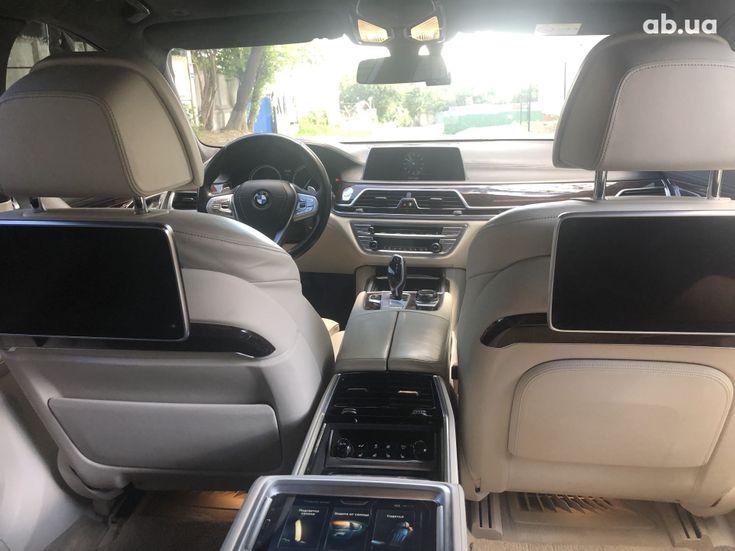 BMW 7 серия 2015 - фото 9