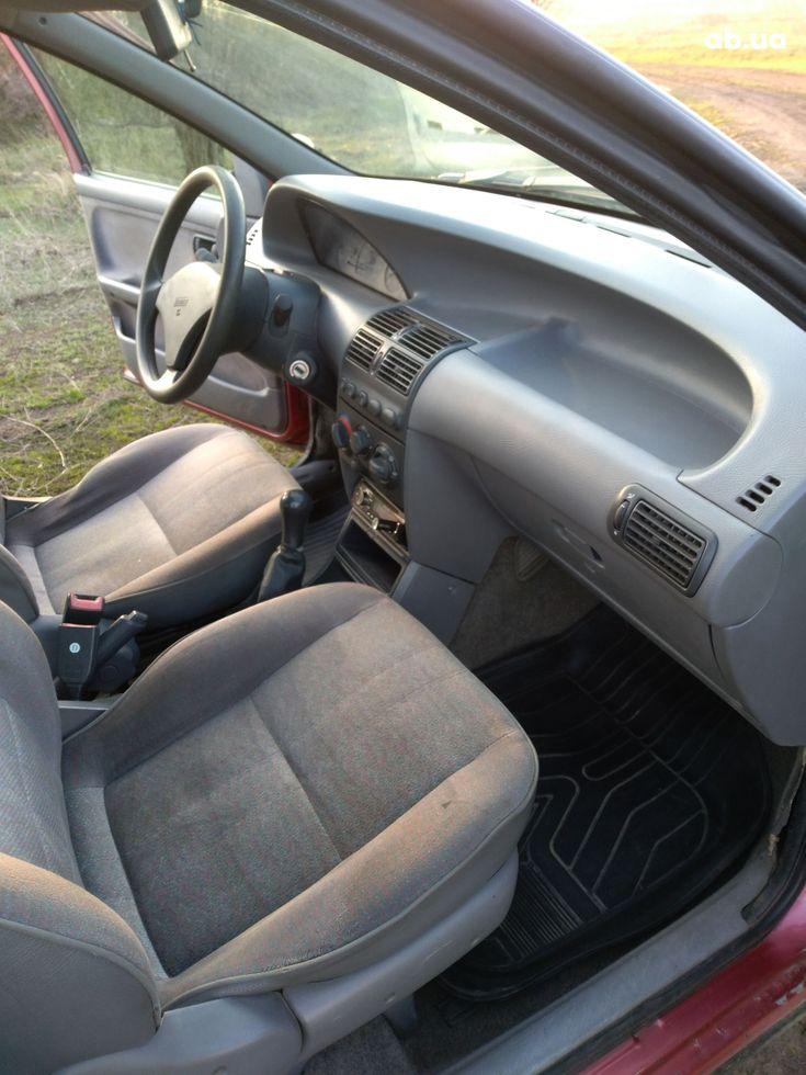 Fiat Punto 1998 красный - фото 7