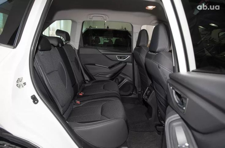 Subaru Forester 2021 белый - фото 12