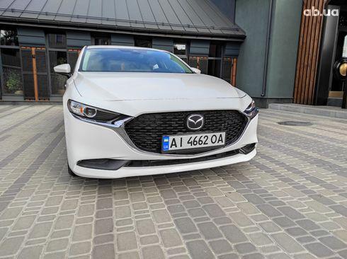 Mazda 3 2019 белый - фото 4