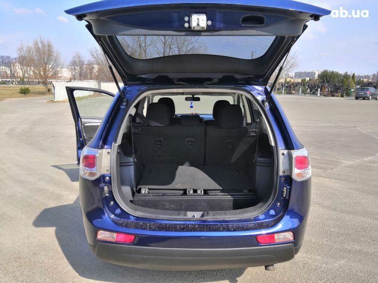 Mitsubishi Outlander 2014 синий - фото 10