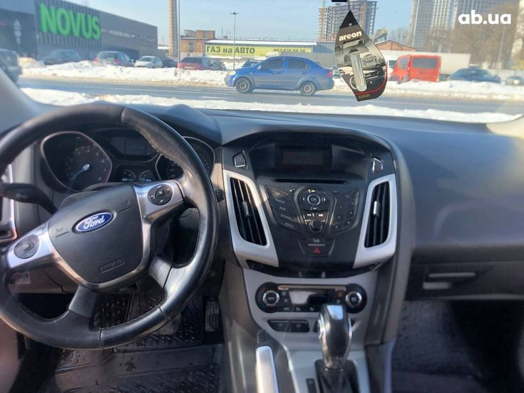 Ford Focus 2012 красный - фото 7