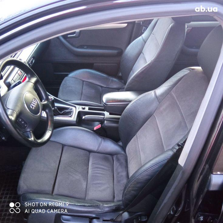 Audi A4 2004 черный - фото 4