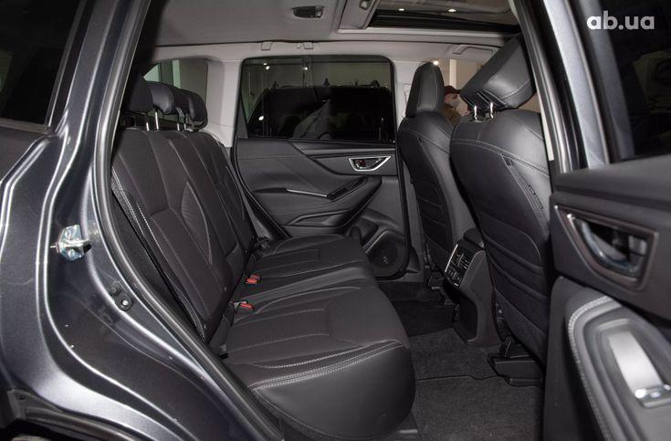 Subaru Forester 2020 серый - фото 12