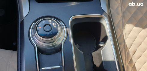 Ford Fusion 2017 белый - фото 18