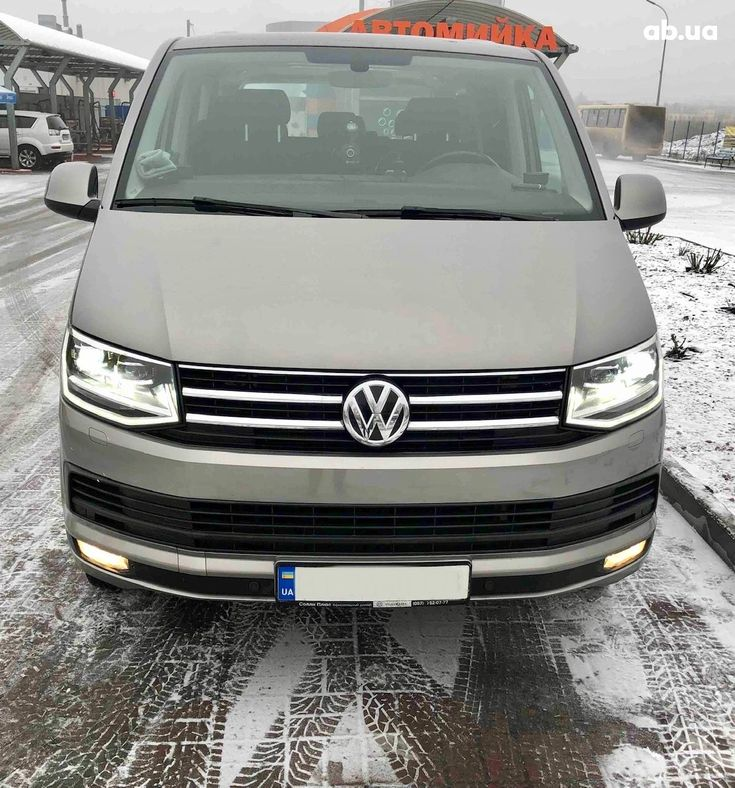 Volkswagen Caravelle 2016 бежевый - фото 1