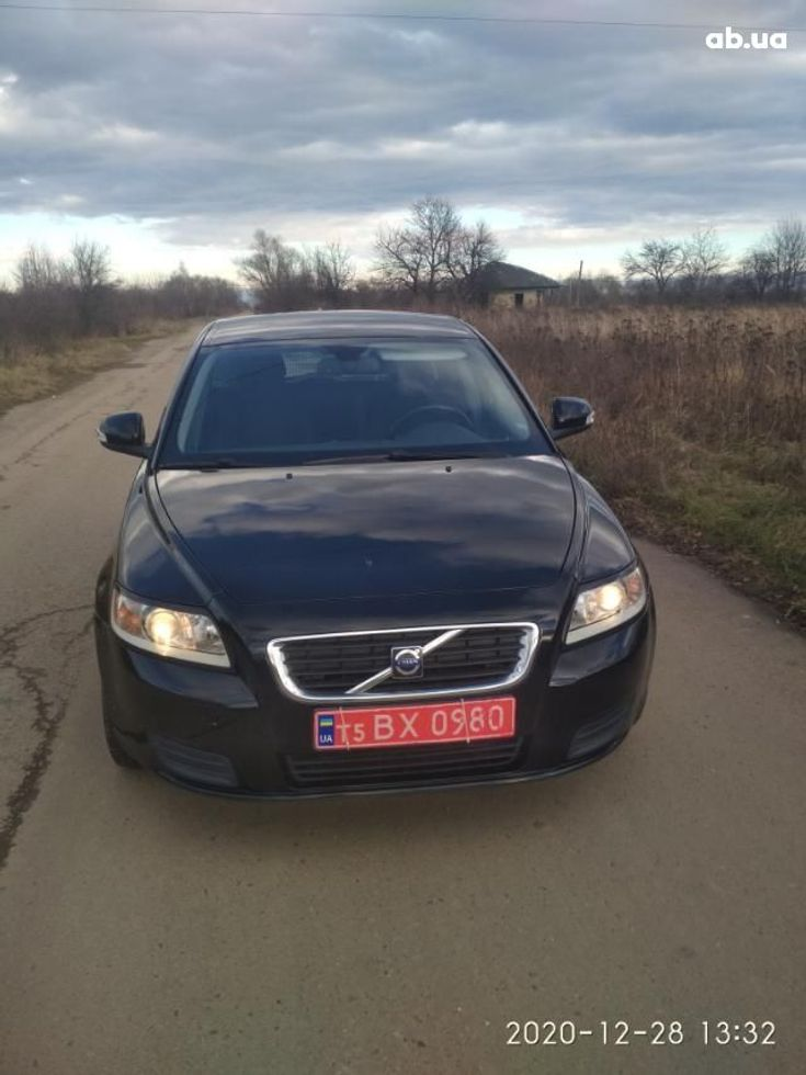 Volvo V50 2009 черный - фото 1