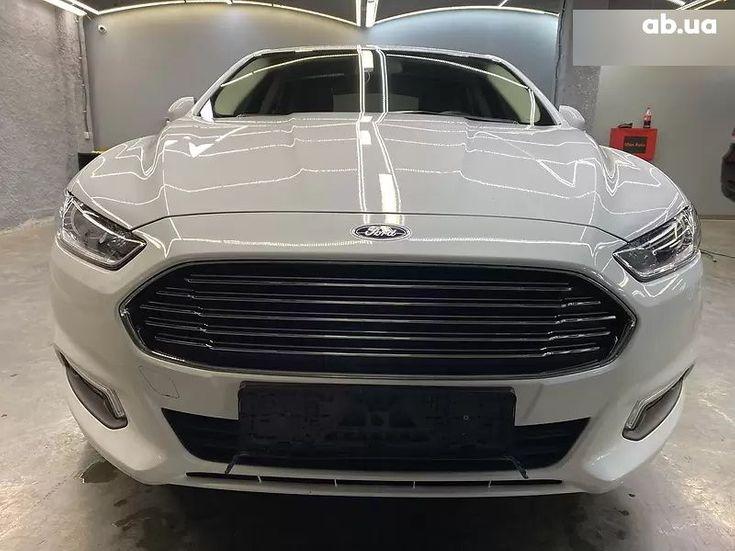 Ford Mondeo 2019 белый - фото 11