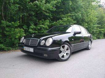 Автомобиль бензин Мерседес-Бенц E-Класс 1997 года б/у - купить на Автобазаре