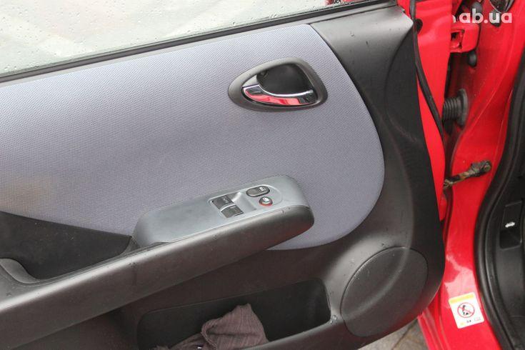 Honda Jazz 2004 красный - фото 16