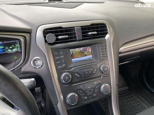 Ford Fusion 2018 белый - фото 8