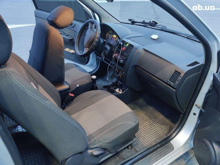 Hyundai Getz 2005 серый - фото 12