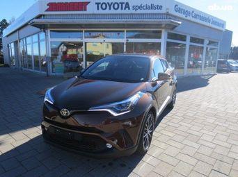 Автомобиль бензин Тойота C-HR 2018 года б/у - купить на Автобазаре