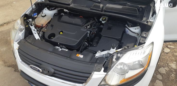 Ford Kuga 2011 белый - фото 8