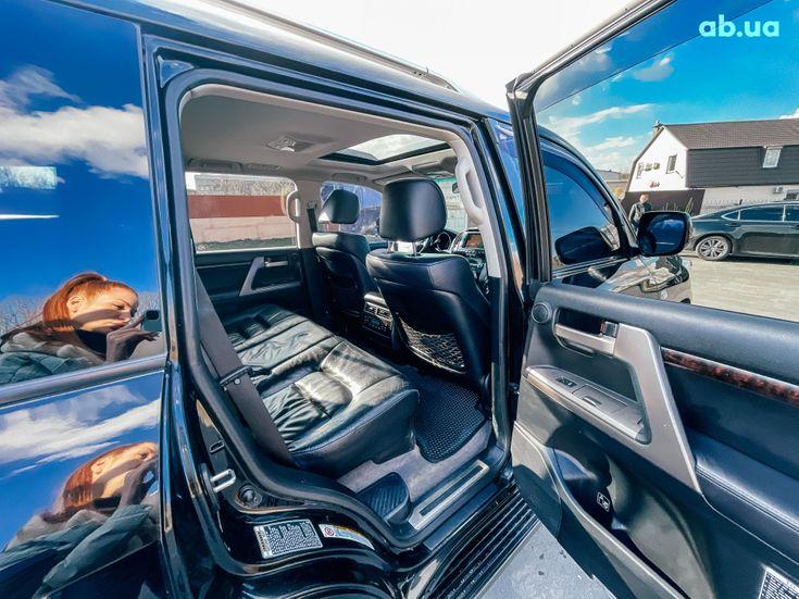 Toyota Land Cruiser 2011 черный - фото 10