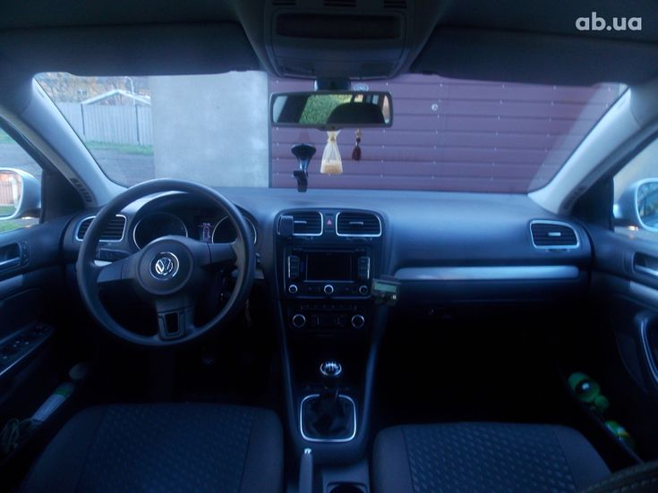 Volkswagen Golf 2011 серебристый - фото 7