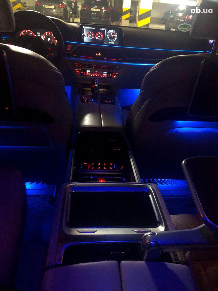 BMW 7 серия 2015 - фото 12