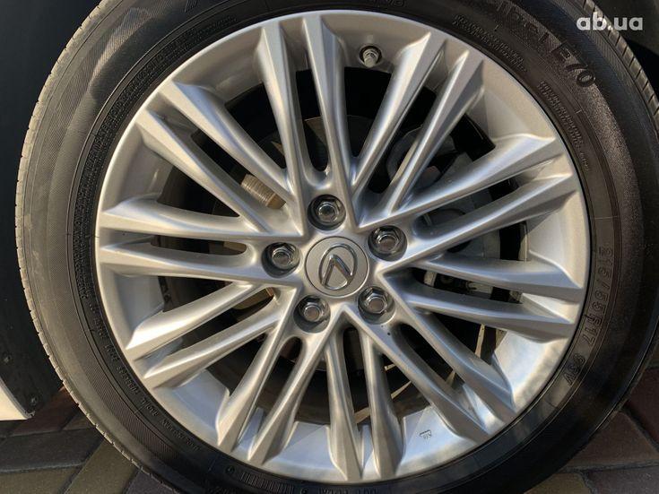 Lexus ES 2017 белый - фото 20