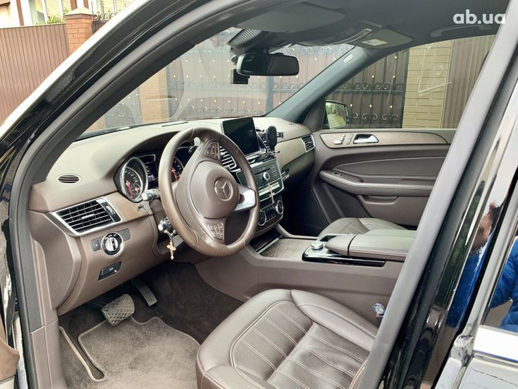 Mercedes-Benz GLE-Класс 2018 черный - фото 9