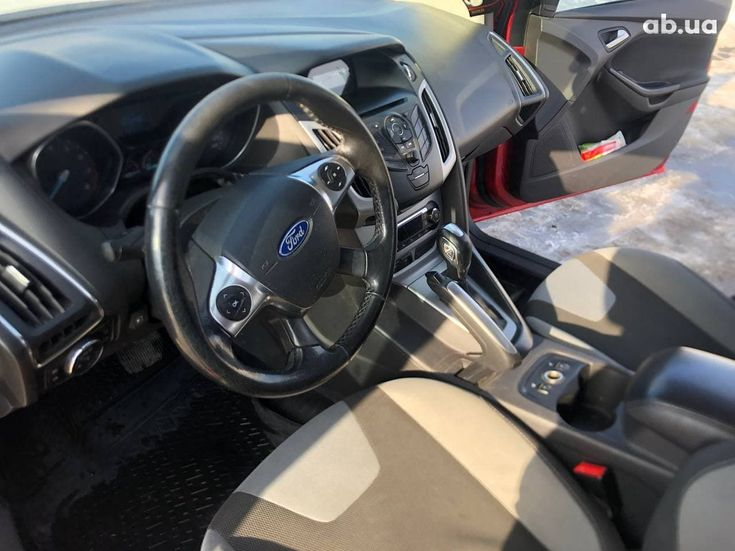 Ford Focus 2012 красный - фото 10