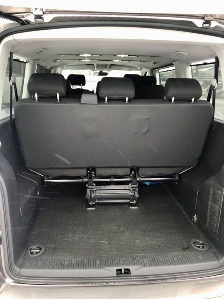 Volkswagen Caravelle 2016 бежевый - фото 10