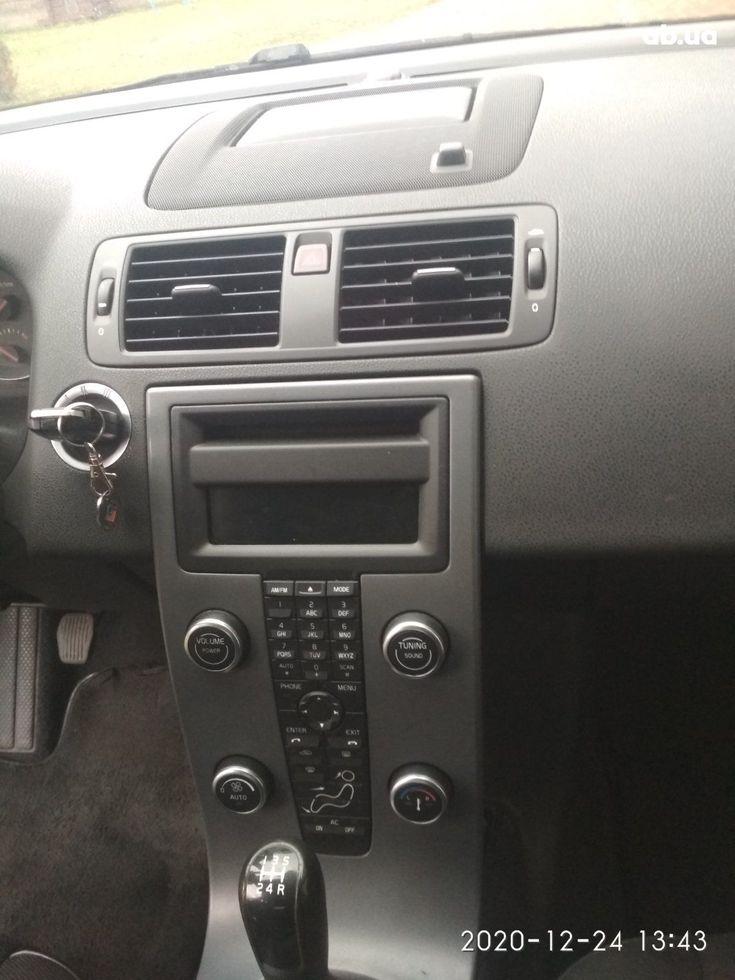Volvo V50 2009 черный - фото 13