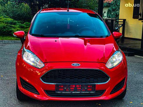 Ford Fiesta 2017 красный - фото 7