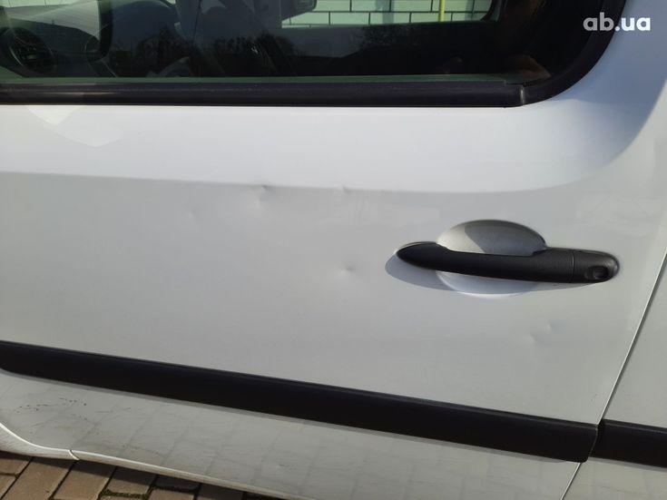 Renault Kangoo 2011 белый - фото 5