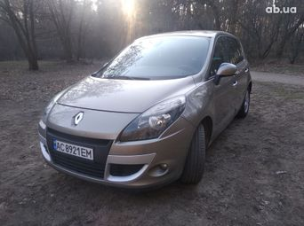 Купить Renault Scenic 2010 бу в Киеве - купить на Автобазаре