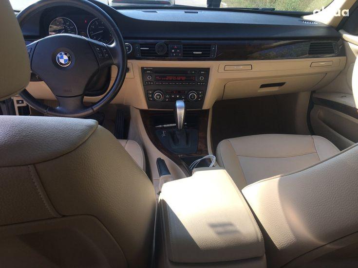 BMW 3 серия 2010 черный - фото 3