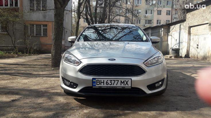 Ford Focus 2017 серый - фото 1